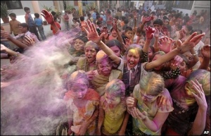 http://scene-india.blogspot.com/2009/03/school-children-celebrate-holi.html